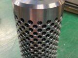 400穴の側面穴加工を施した、内筒